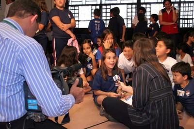 Alunos de escola da Asa Norte, em Brasília, participam do lançamento do projeto Turminha do MPF nas Eleições