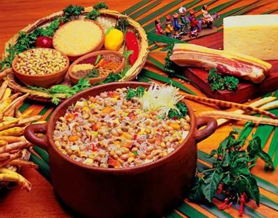 O baião-de-dois, prato mais típico do Ceará, nasceu da mistura de ingredientes bem conhecidos dos brasileiros: arroz e feijão. Foto: Setur/CE