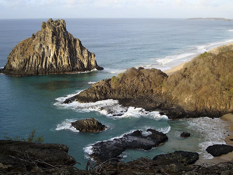 Praia de Baía dos Porcos, no Arquipélago de Fernando de Noronha. Foto Márcio Cabral de Moura