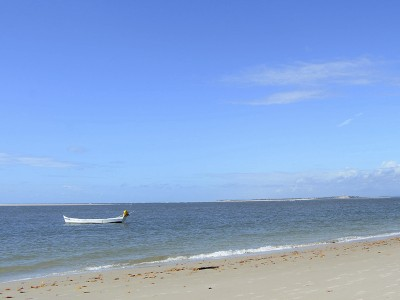 As águas calminhas da Praia do Saco são ótimas pra nadar e brincar. Foto: Gabriela Amorim