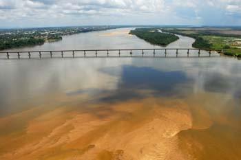 Ponte sobre o Rio Branco. Foto Jorge Macedo, Detur